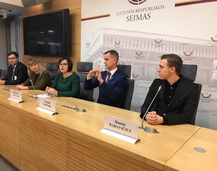 Seime – socialdemokratų siūlymas dėl gestų kalbos vertėjų